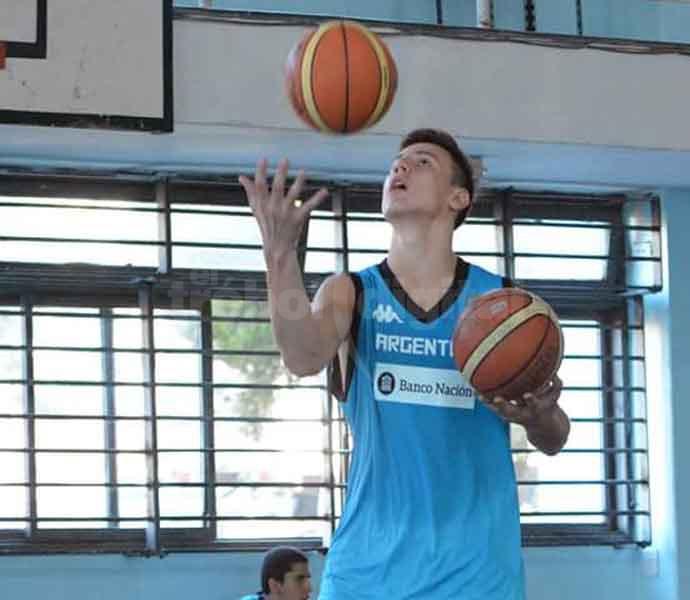 EN FOCO - Caffaro entrenando para Argentina.
